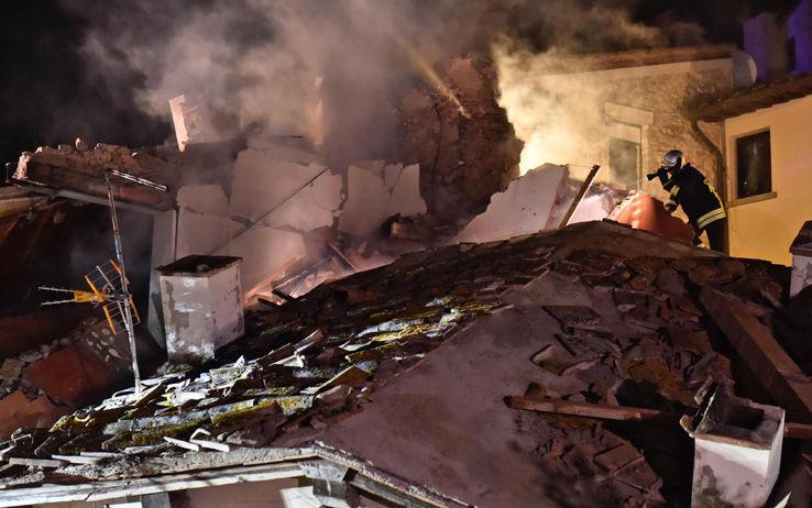 Bagno a ripoli firenze crolla una villetta un morto e tre feriti