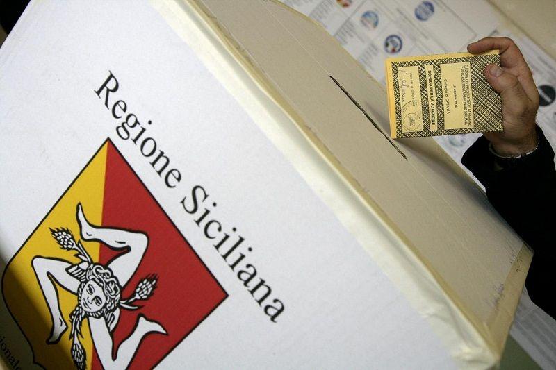 Elezioni regionali in Sicilia il 5 novembre, annuncio di Crocetta