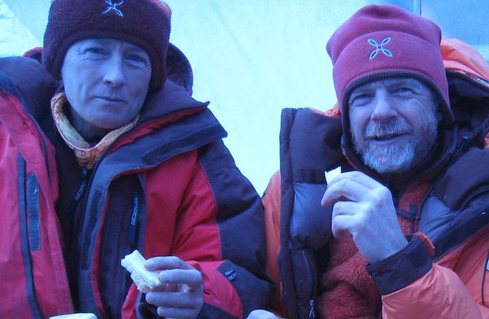 Nives Meroi e Romano Benet conquistano l'Annapurna: Record per i due Alpinisti