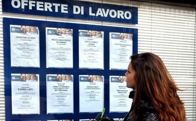 Cala ancora il tasso di disoccupazione, buoni segnali anche tra i giovani